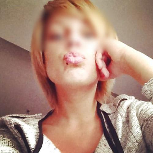 Jolie blonde de Toulouse a envie de rencontrer un homme avec la bite sévère