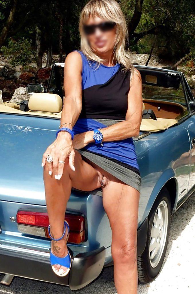 Terrible envie de sexe d'une cougar, Toulon